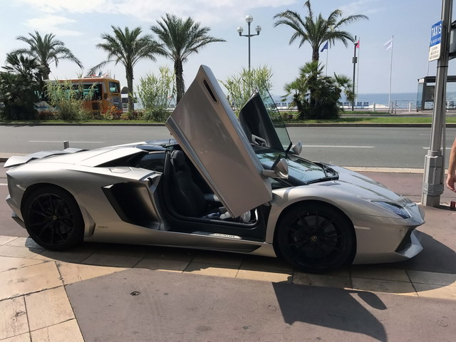 Reservation of a vehicle and rental an exotic exclusive car in Faro