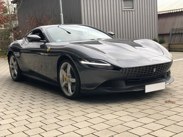 Booking a very fast car or rental sport vehicle in Faro
