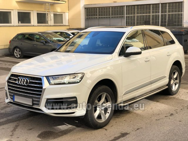 Rental Audi Q7 50 TDI Quattro White in Faro