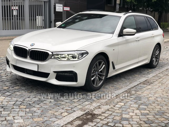 Rental BMW 520d xDrive Touring M equipment in Portimao