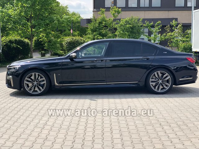 Rental BMW M760Li xDrive V12 in Portimao