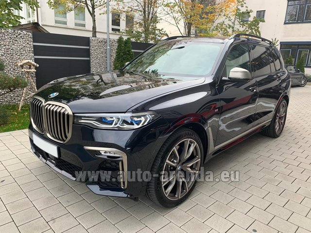 Hire and delivery to Lisbon Portela airport the car BMW X7 M50d