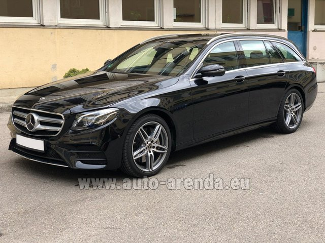 Rental Mercedes-Benz E 450 4MATIC T-Model AMG equipment in Portimao