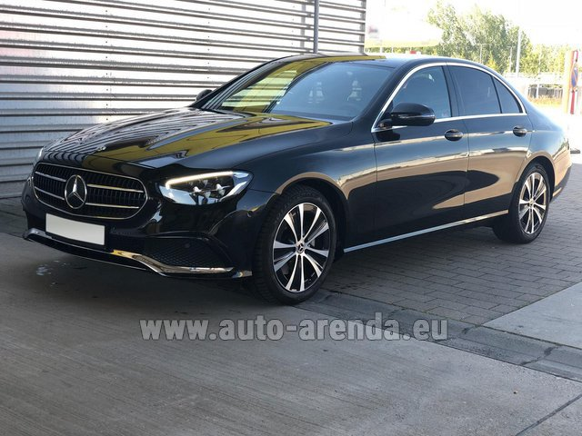 Rental Mercedes-Benz E220 diesel AMG equipment in Portimao