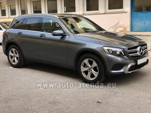 Rental Mercedes-Benz GLC 220d 4MATIC AMG equipment in Lisbon