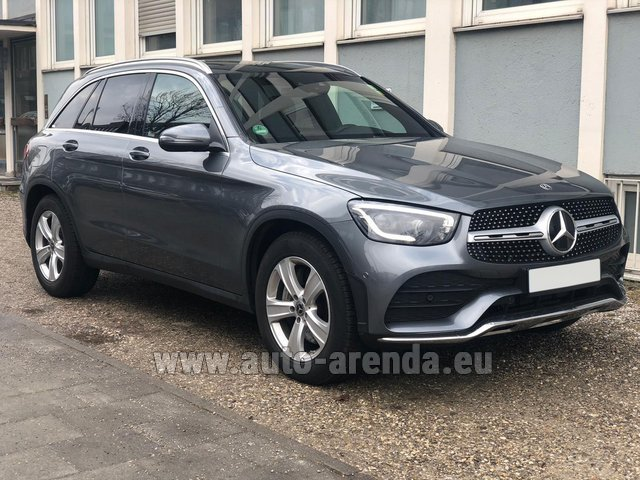 Hire and delivery to Lisbon Portela airport the car Mercedes-Benz GLC 220d 4MATIC AMG equipment