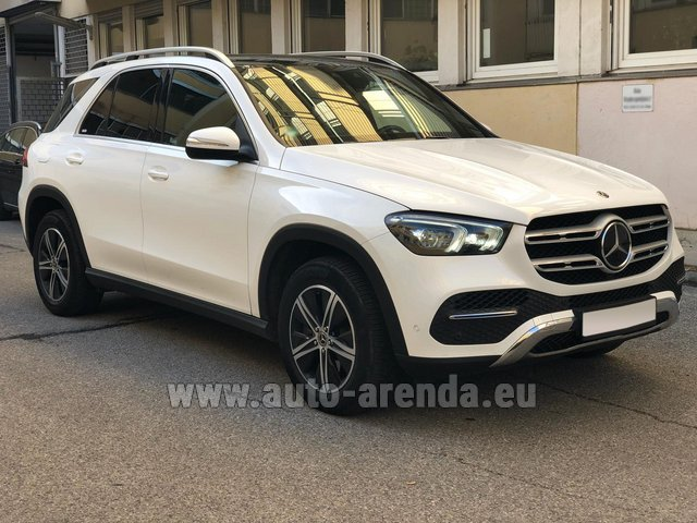 Rental Mercedes-Benz GLE 350 4Matic AMG equipment in Portimao