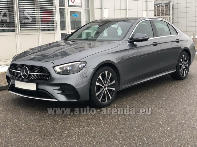 Rental Mercedes-Benz E400d 4MATIC AMG equipment in Portimao