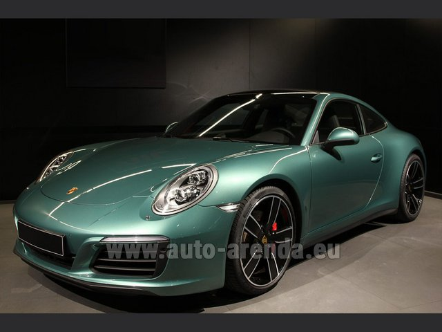 Hire and delivery to Lisbon Portela airport the car Porsche 911 991 4S Racinggreen Individual Sport Chrono