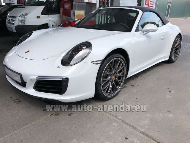 Hire and delivery to Lisbon Portela airport the car Porsche 911 Carrera Cabrio White